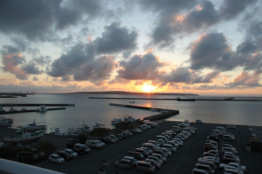 伊良部島を見ながらのバーベキュー