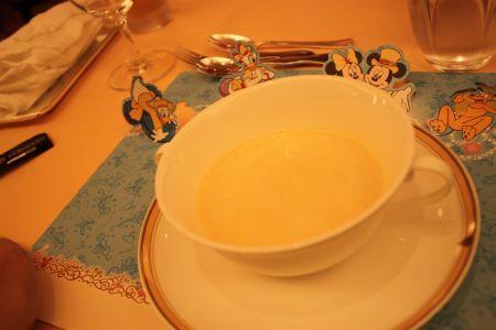 カリフォルニア料理レストラン「エンパイア・グリル」チャイルドメニュー